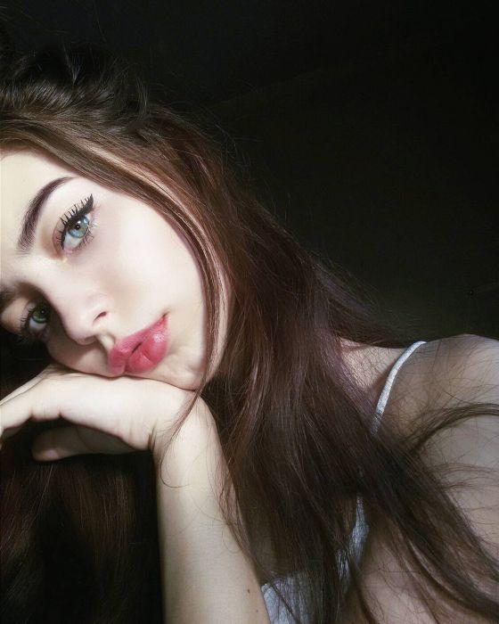 Красивые и очаровательные девушки