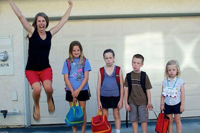 Дети пошли в школу на радость родителям