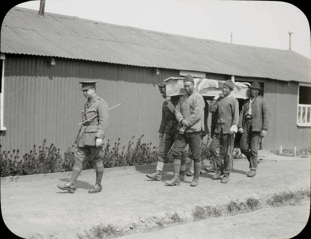 Китайские рабочие на передовой Первой мировой войны