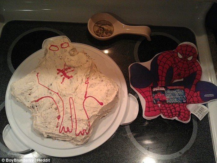 Неудачные праздничные торты от начинающих кулинаров
