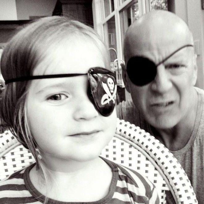 Брюс Уиллис и его семья на снимках в Инстаграм