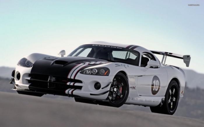 Самые необычные модификации Dodge Viper