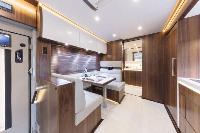 Signature 1200 - дом на колесах за 1,4 миллиона долларов