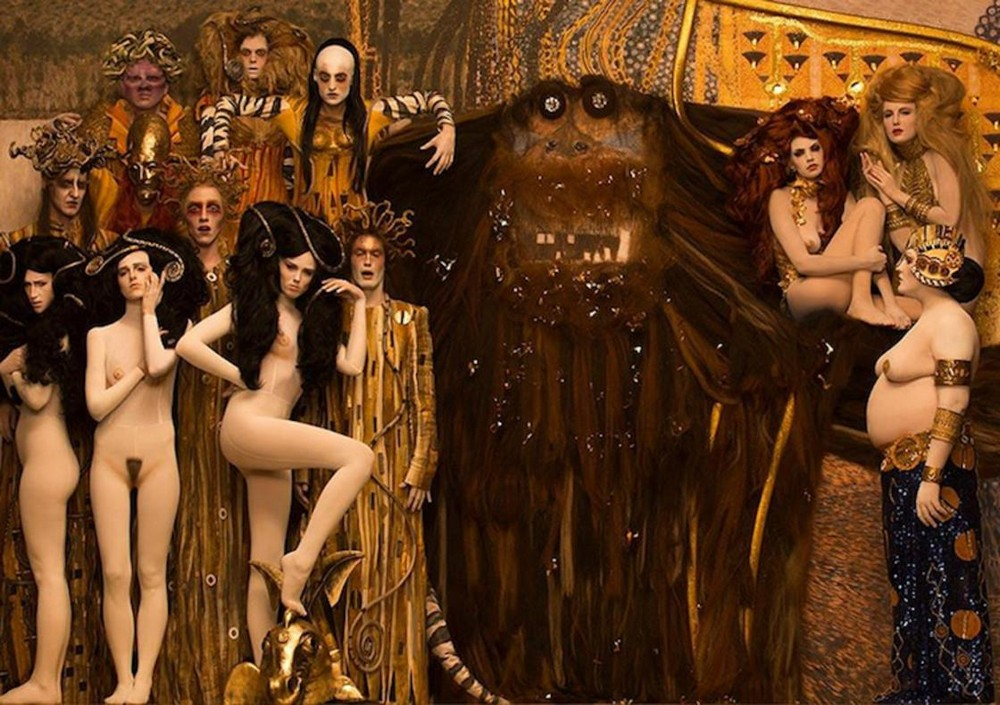 Фотограф воссоздает знаменитые картины Густава Климта