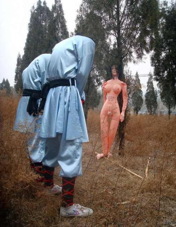 Как монахов Шаолинь наказывают за рукоблудие