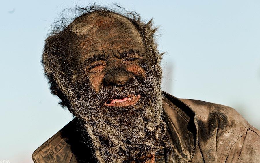 Он не мылся 60 лет