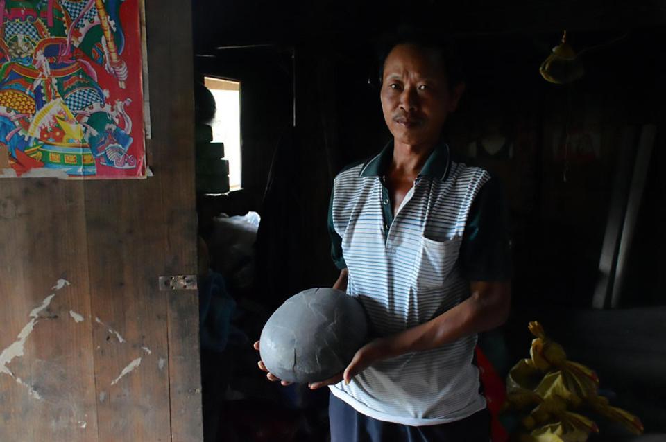 Утёс в Китае каждые 30 лет несёт каменные яйца