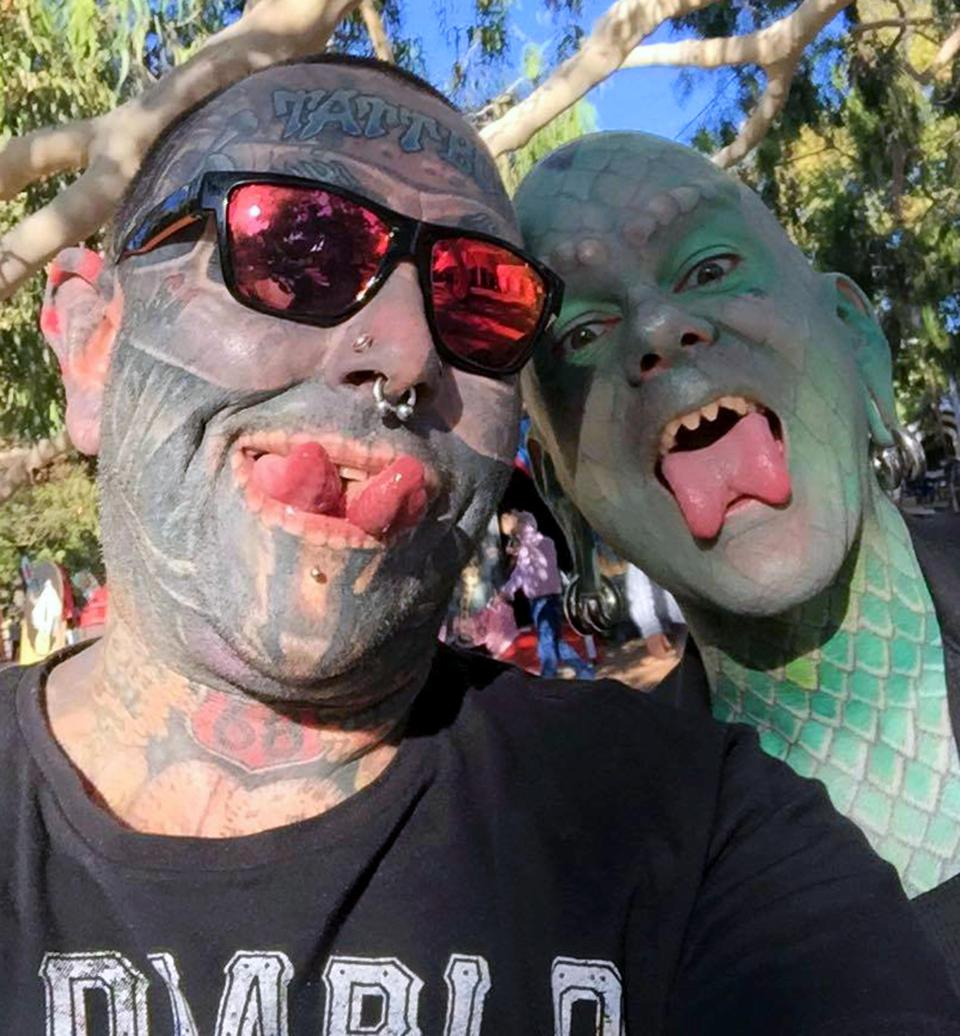 Бывший офисный работник покрыл 90% тела татуировками