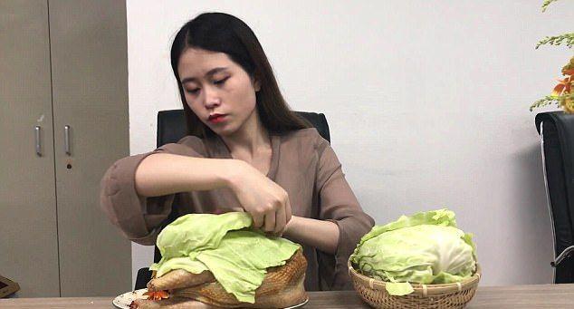 Как приготовить курицу гриль прямо в офисе