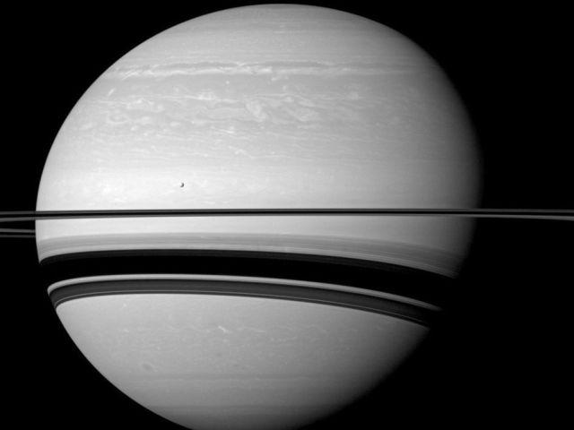 Снимков Сатурна от зонда Кассини больше не будет