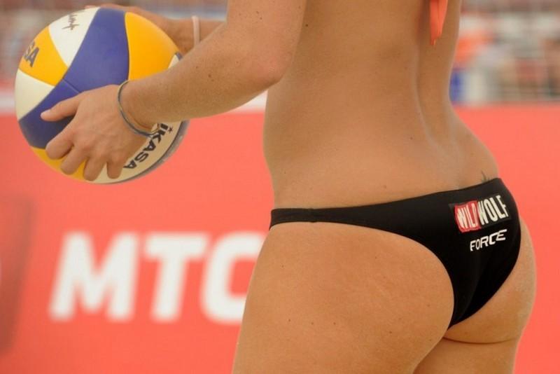 Кадры с женского пляжного волейбола