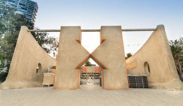 Австралийский хостел из песка