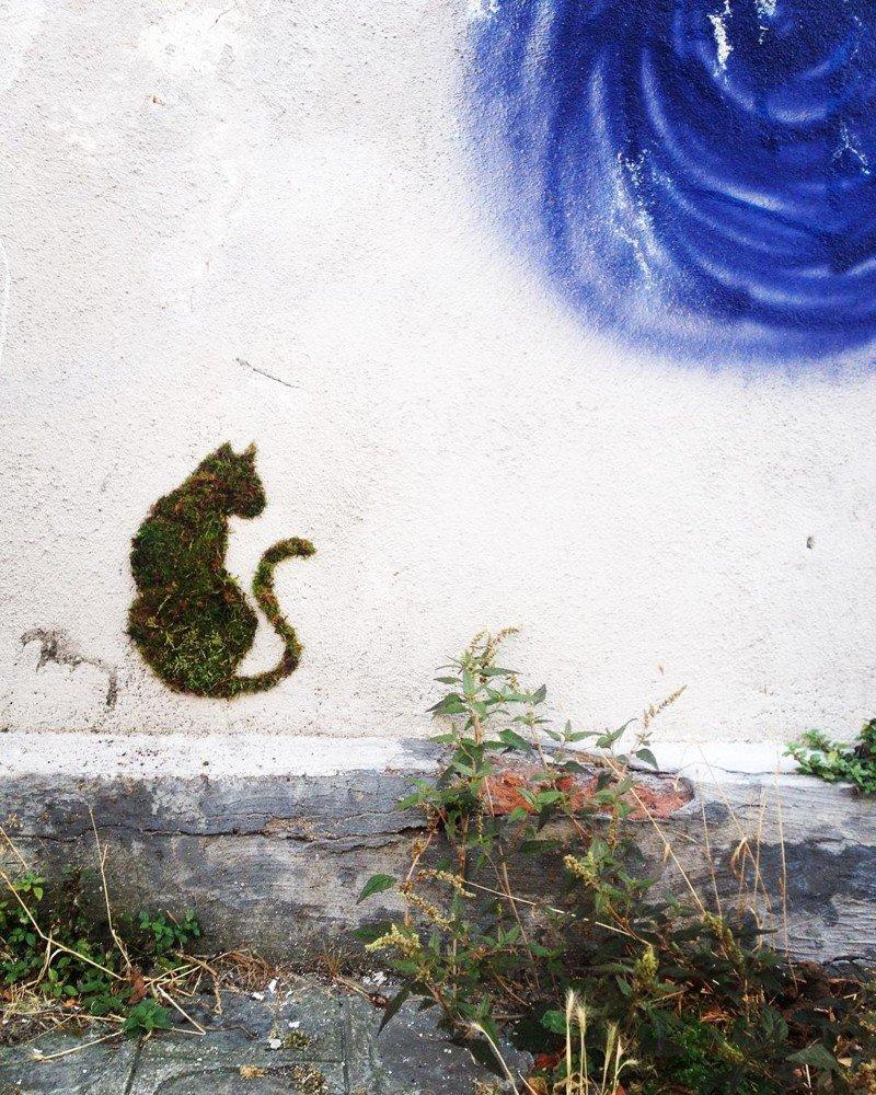 Мосс-граффити: стрит-арт с помощью мха