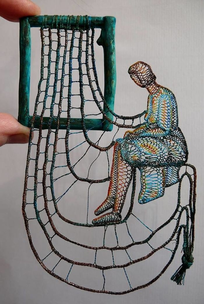 Удивительные кружевные инсталляции на веточках