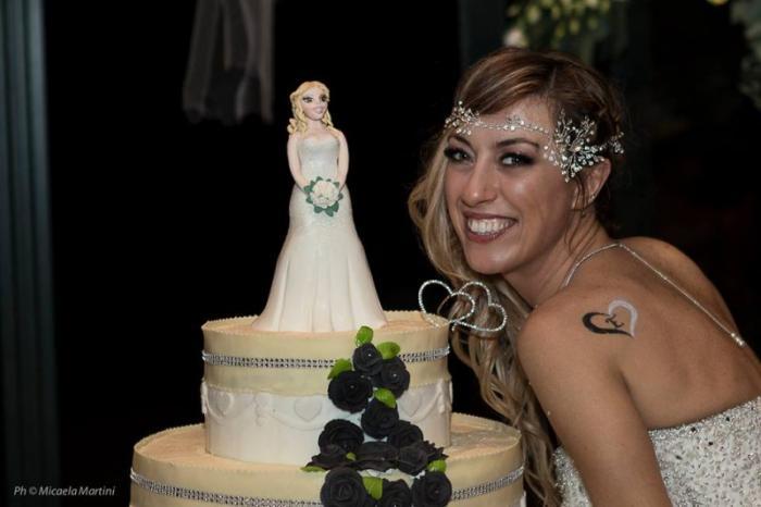 40-летняя итальянка вышла замуж за саму себя