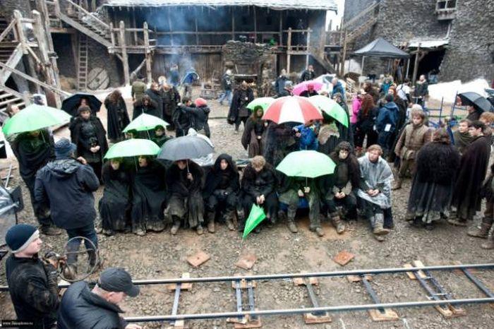 Актеры веселятся на съемочных площадках
