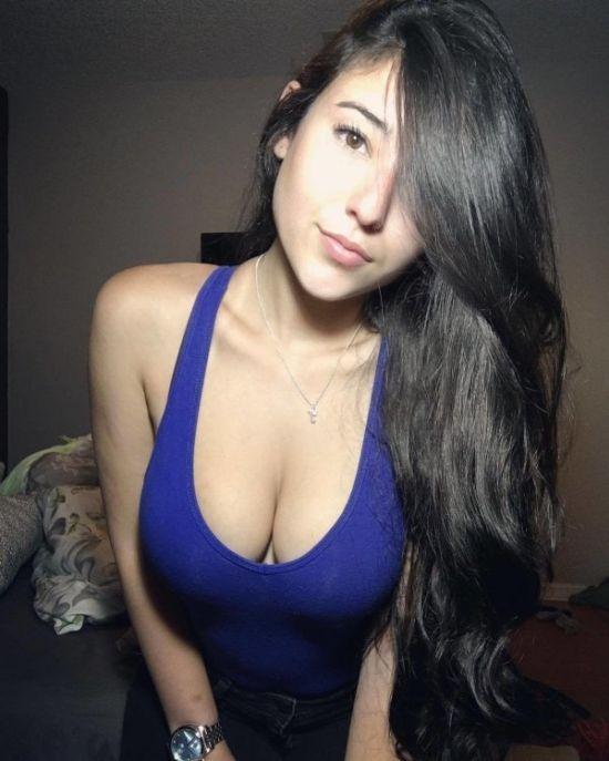 Красивые девушки с пышным бюстом
