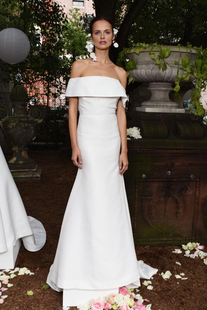 Потрясающие платья с Недели свадебной моды 2017