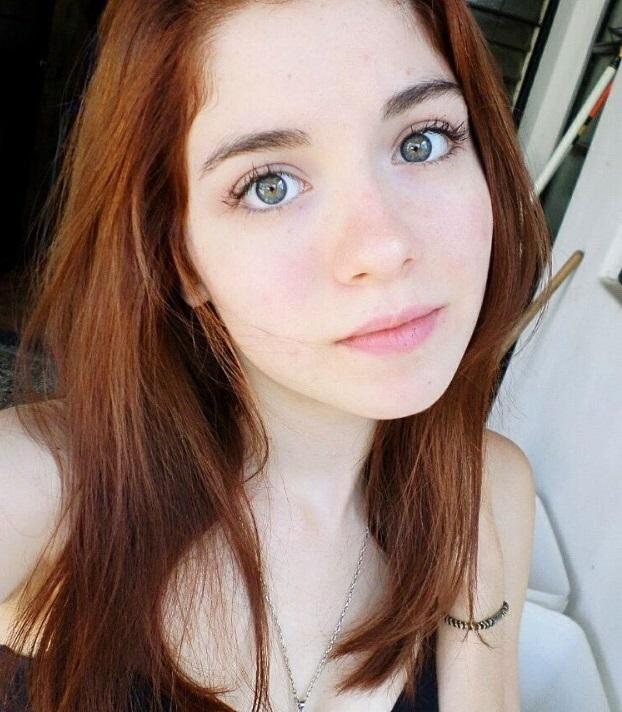 Симпатичные девушки с естественной красотой