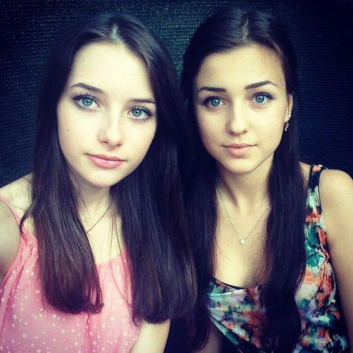Красивые миловидные девушки
