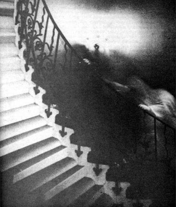 Жуткие кадры с призраками
