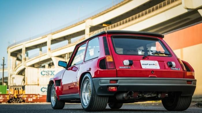 30-летний Renault R5 Turbo 2 Evo выставлен на аукцион