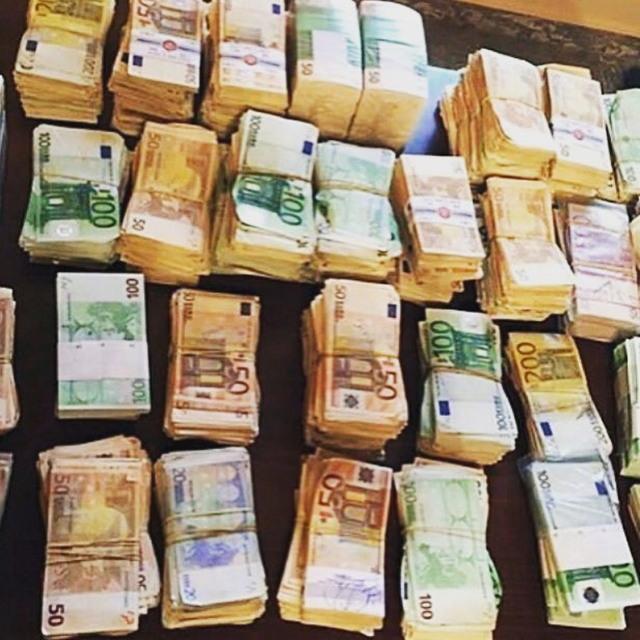 Богатые детки Албании