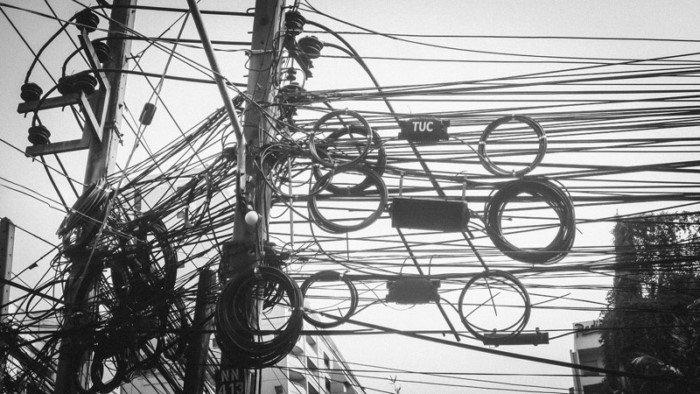 Когда проводов больше, чем нужно