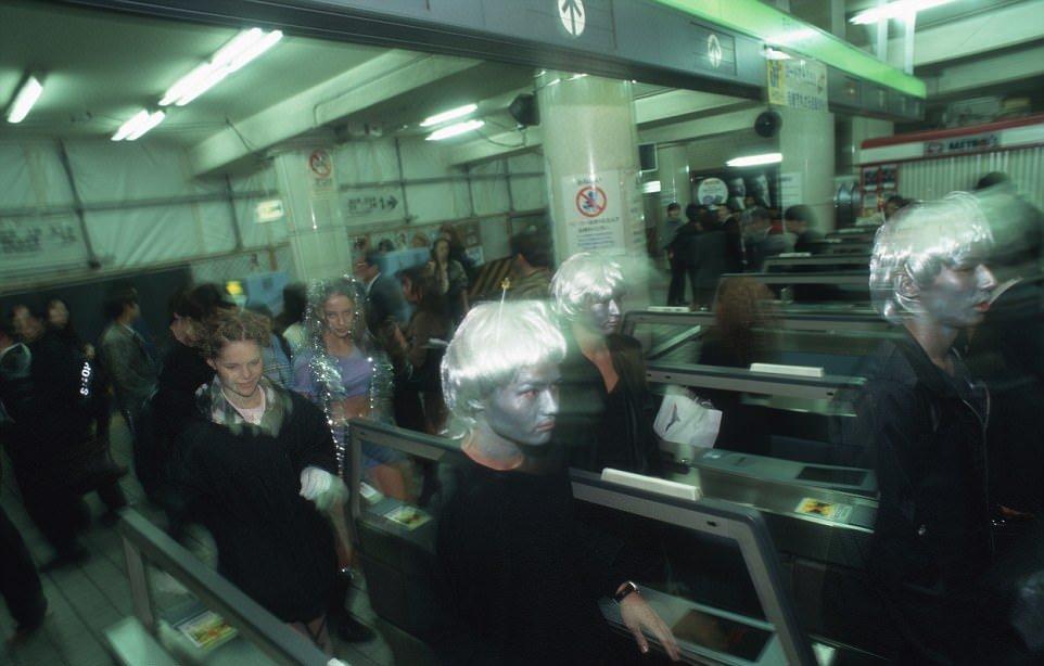 Зомби в японском метро