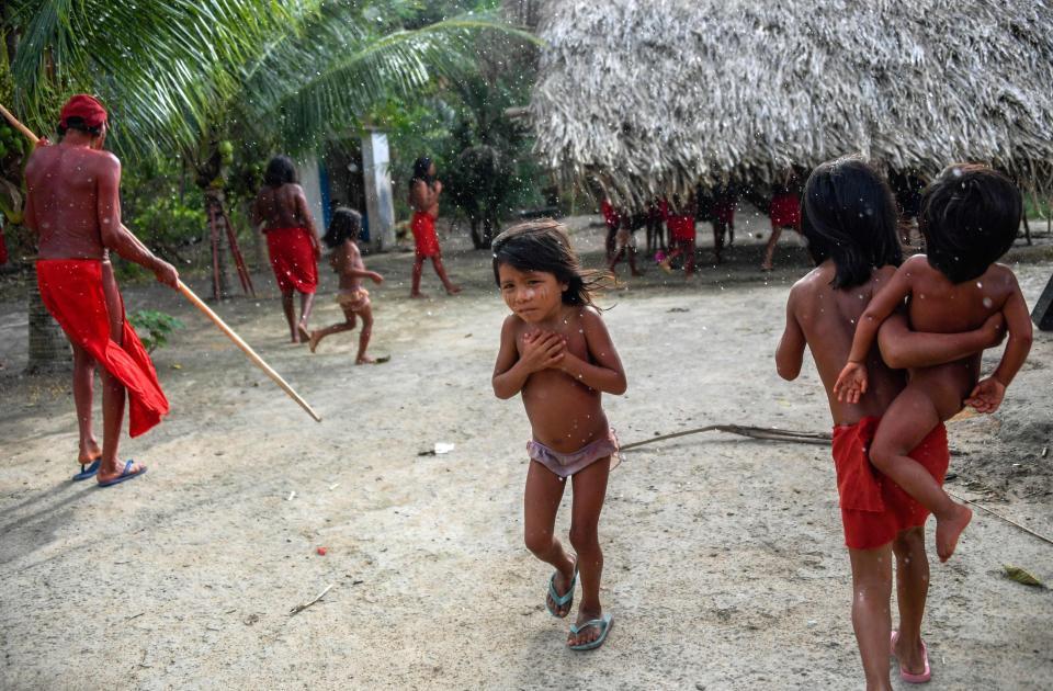 Амазонское племя обещает бороться против горнодобывающих компаний