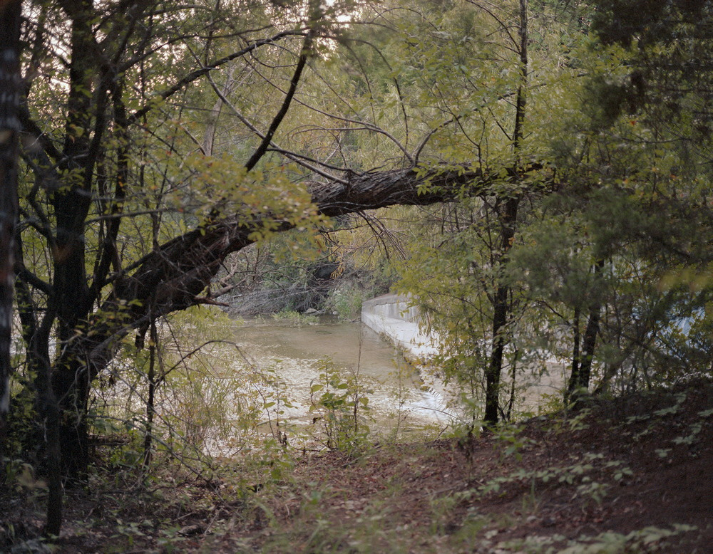 Американцы отдыхают у реки