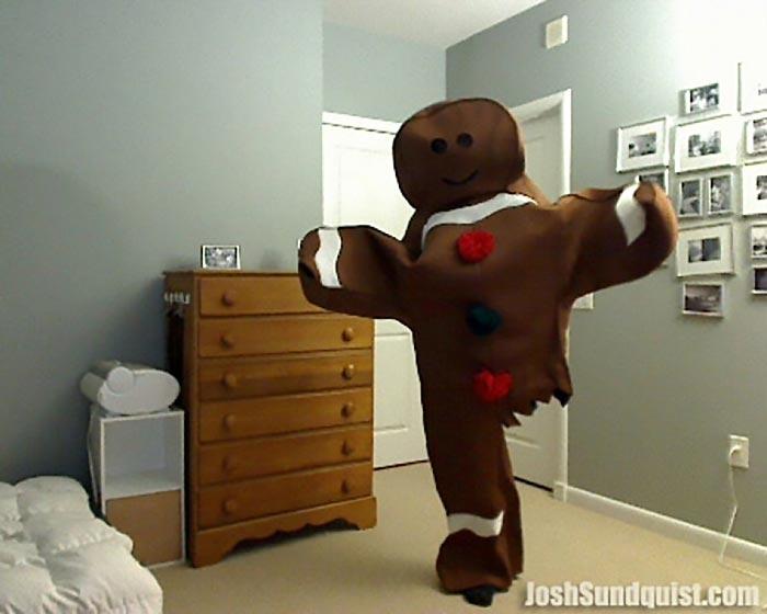 Одноногий парень делает эпичный костюм каждый Хэллоуин