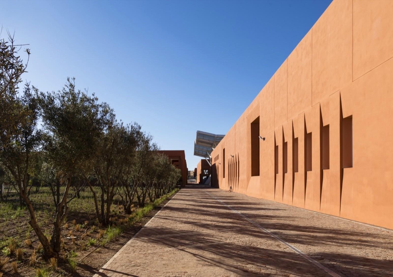 Современная архитектура университета в Марокко
