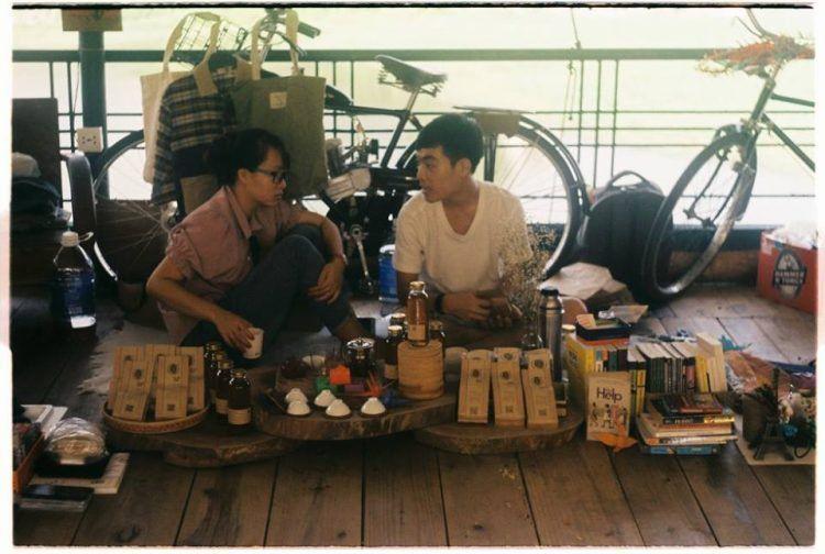 Вьетнамский рынок, на котором торгуют вещами бывших