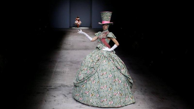 Коллекция одежды по мотивам Алисы в стране чудес