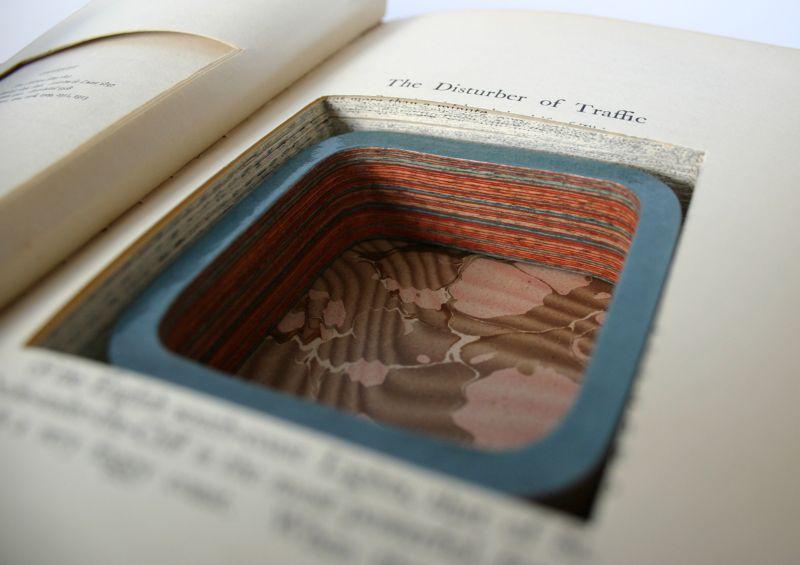 Бижутерия из старых книг от Джереми Мея