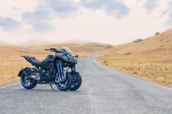 Трехколёсный мотоцикл Yamaha Niken