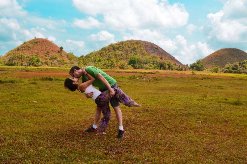 Пара три года фотографировалась в разных странах мира