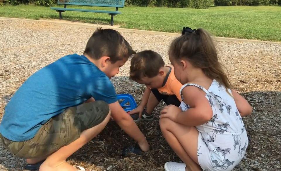 Дети нашли настоящий клад на детской площадке