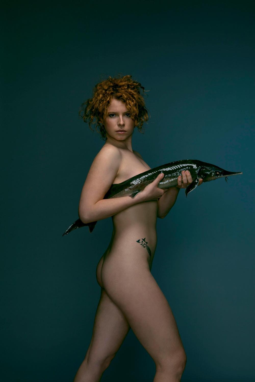 Британские знаменитости разделись в защиту рыб