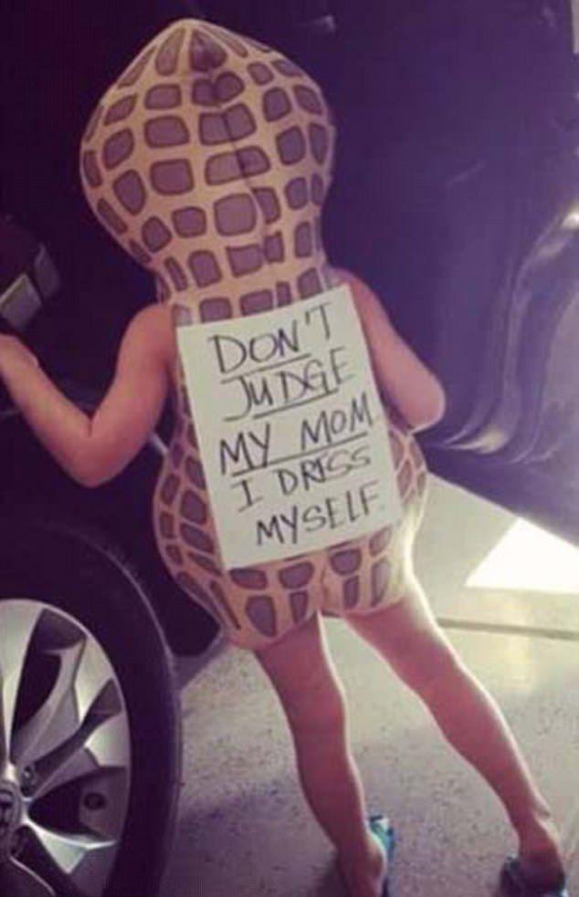 Родители разрешили детям одеться самим