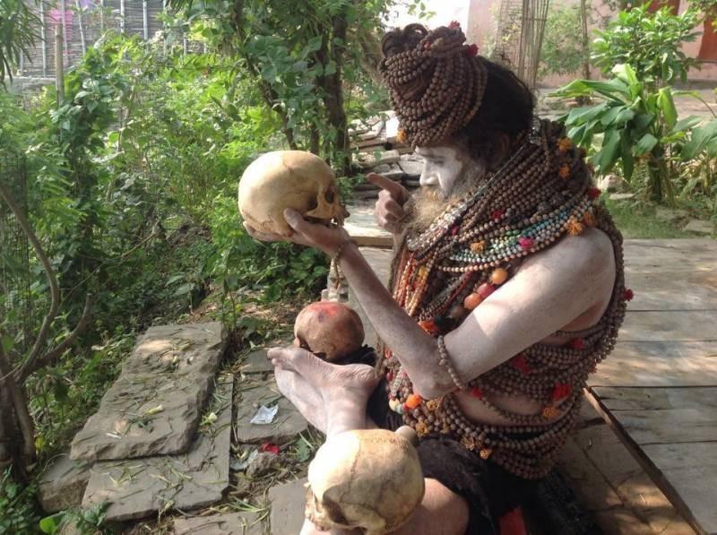 Шокирующие ритуалы в Индии