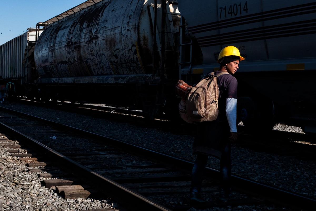 На грузовом поезде в лучшую жизнь