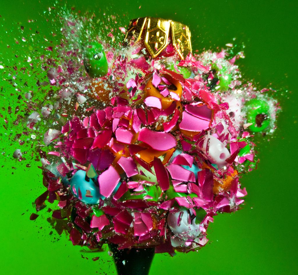 Алан Сэйлер взорвал разноцветные елочные игрушки