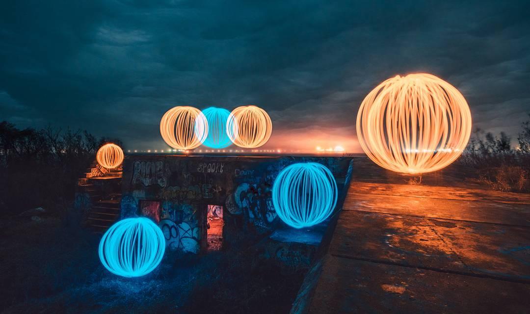 Световые картины от Зака Алана