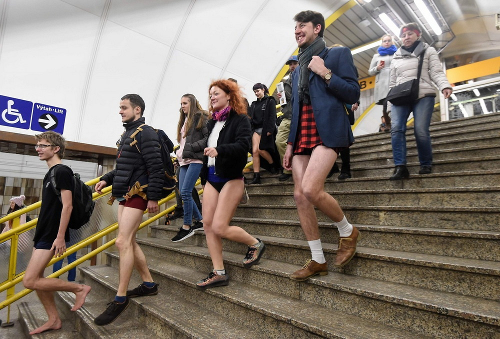 В метро без штанов - ежегодная акция