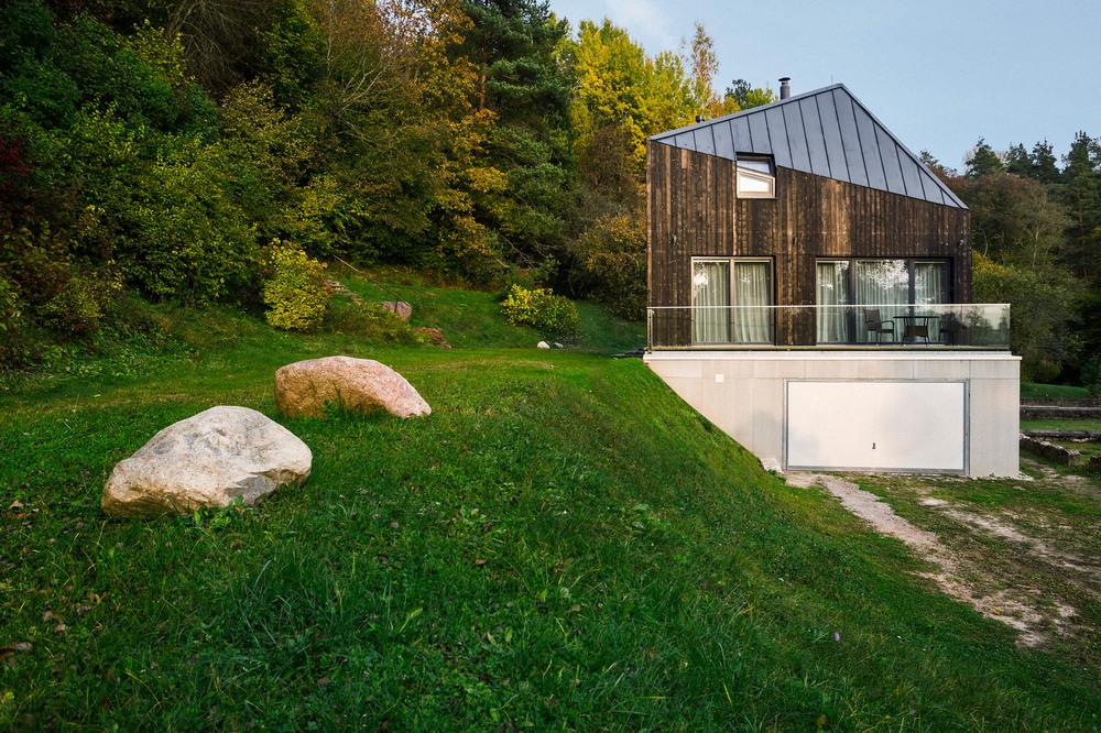 Дом в латвийской деревне для пожилой семейной пары