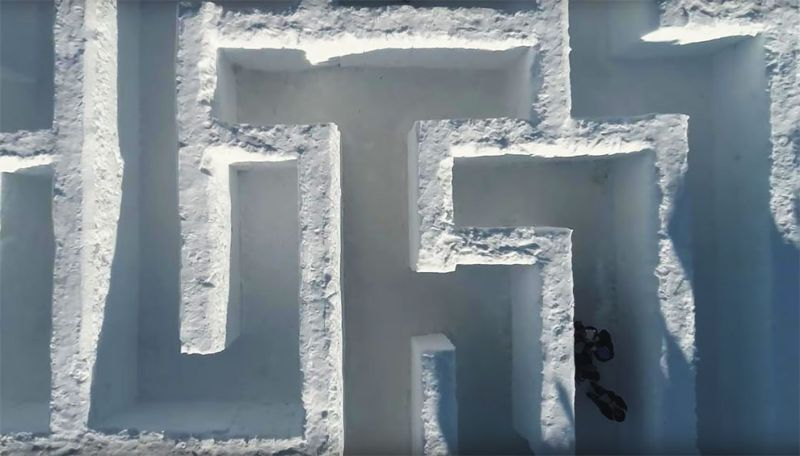 Самый большой в мире снежный лабиринт открылся в Польше
