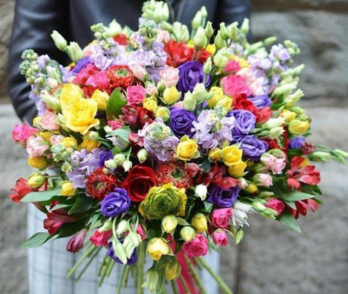 Откуда пошла традиция дарить цветы