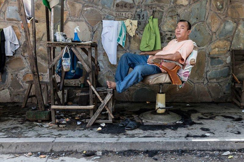 Уличные парикмахеры Камбоджи